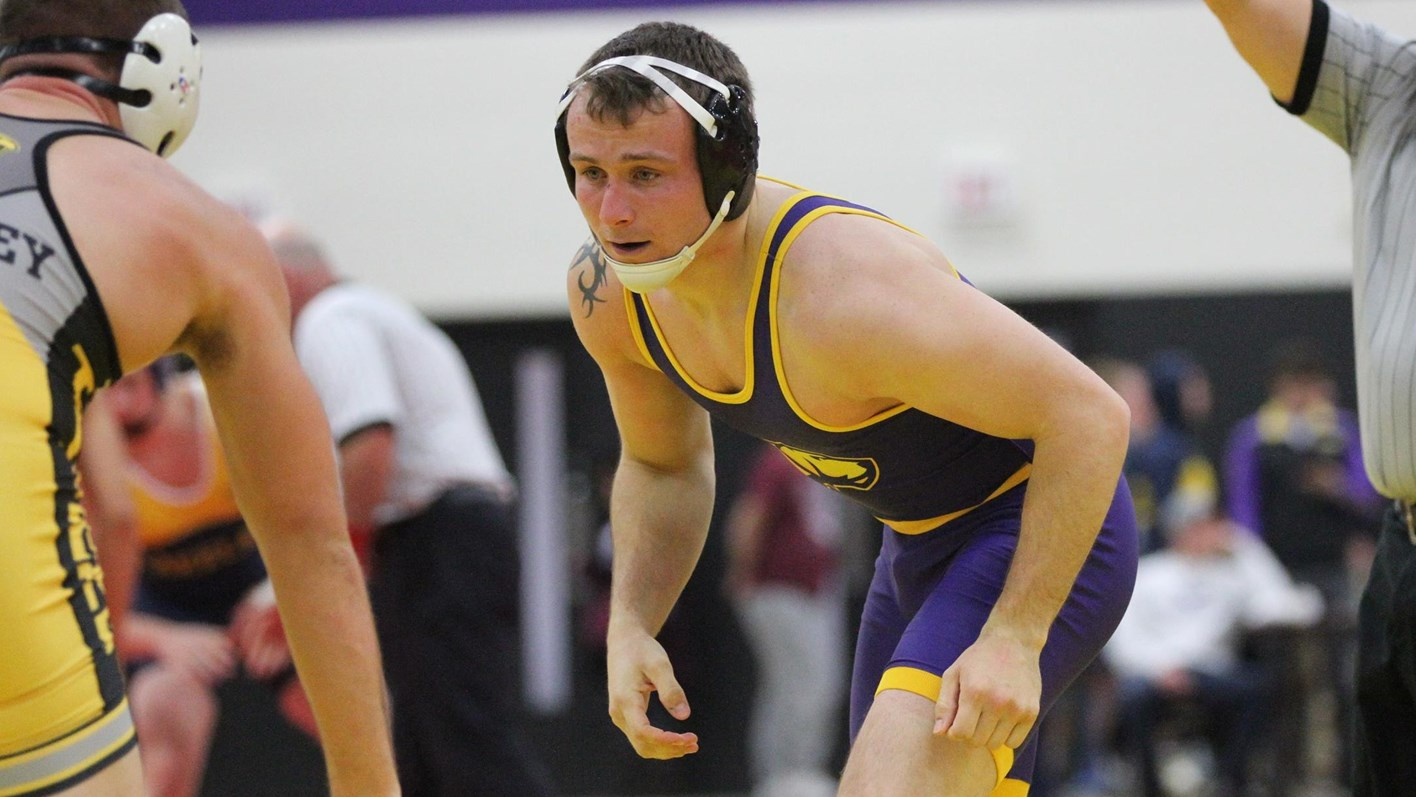 Pointers Down Titans in Dual Behind Boivin's Fall